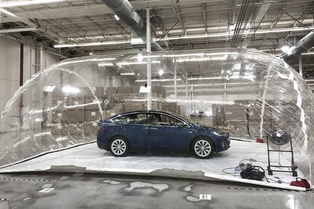 Người đời từng cười tính năng phòng vệ vũ khí hóa học của xe Tesla là vớ vẩn, nhưng thực tế chứng minh họ sai lầm - Ảnh 3.