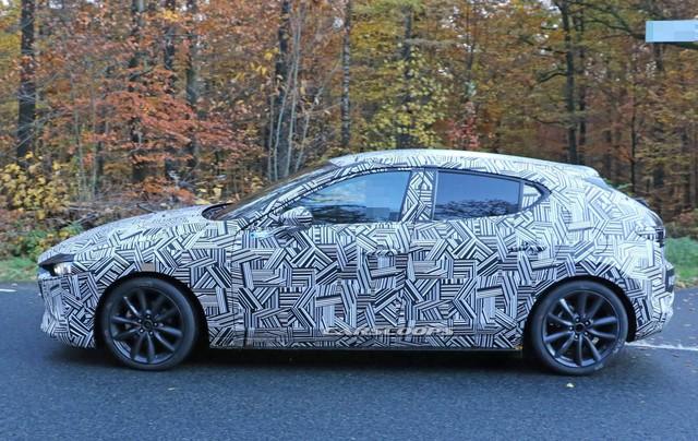 Mazda3 2019 lần đầu lộ nội thất: Mất nhiều nút bấm - Ảnh 1.