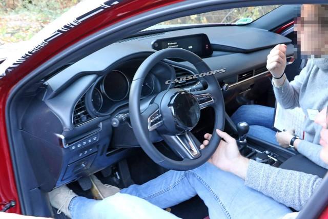 Mazda3 2019 lần đầu lộ nội thất: Mất nhiều nút bấm - Ảnh 3.