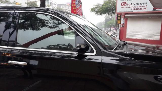 """Đại gia đi Cadillac Escalade bạc tỷ bị vặt gương tại Hà Nội, quyết tâm mua gương mới chứ không tiếp tay cho đồ """"luộc"""" - Ảnh 1."""