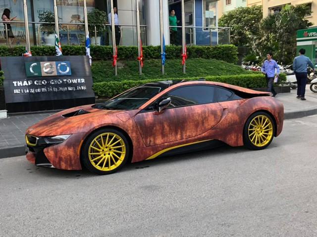 Siêu xe BMW i8 gỉ sét mang vành vàng độc nhất Việt Nam - Ảnh 4.