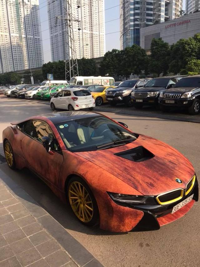Siêu xe BMW i8 gỉ sét mang vành vàng độc nhất Việt Nam - Ảnh 5.