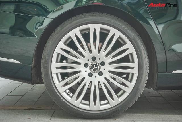 Chiếc Mercedes-Maybach S450 màu xanh diệp lục ngỡ song sinh với xế độc của ca sỹ Bích Phương - Ảnh 8.