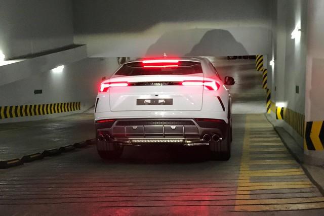 Siêu SUV Lamborghini Urus đầu tiên đặt chân tới TP. HCM - Ảnh 3.