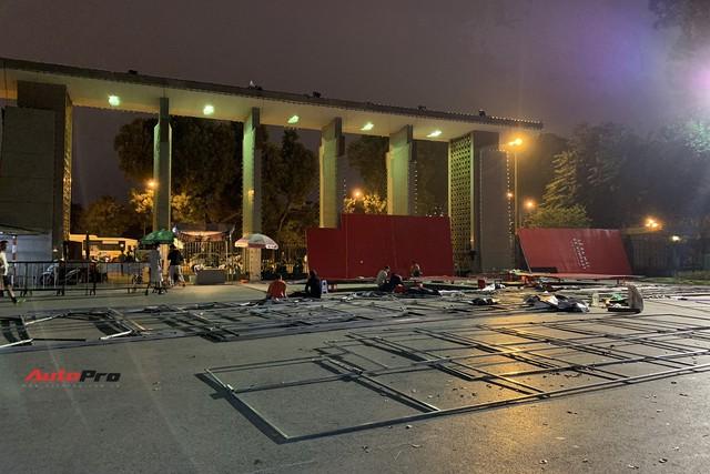 Dàn ô tô VinFast có mặt tại công viên Thống Nhất, sẵn sàng cho sự kiện ra mắt - Ảnh 5.