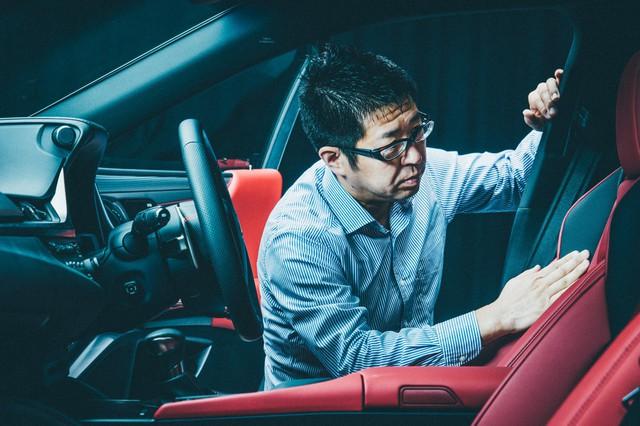 Lexus mất tới 3 năm chỉ để sản xuất một ghế xe - Ảnh 2.