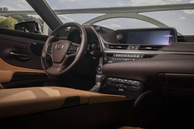 Lexus mất tới 3 năm chỉ để sản xuất một ghế xe - Ảnh 4.