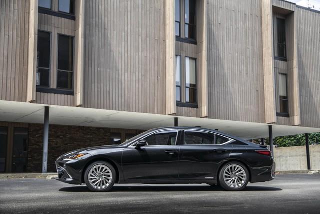 Lexus mất tới 3 năm chỉ để sản xuất một ghế xe - Ảnh 6.