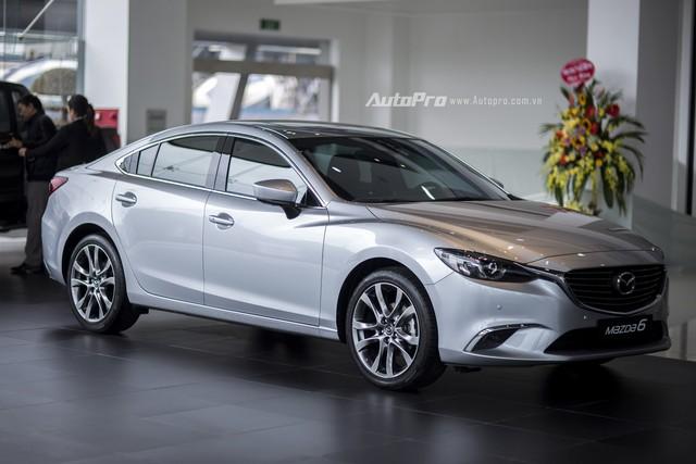 Có 900 triệu trong tay, còn sự lựa chọn nào ngoài sedan VinFast Lux A2.0? - Ảnh 7.