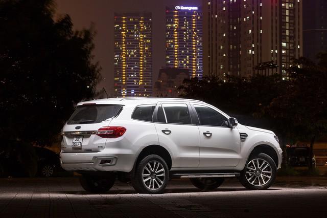 Có 1,25 tỷ không mua SUV VinFast Lux SA2.0 có những lựa chọn gì? - Ảnh 1.