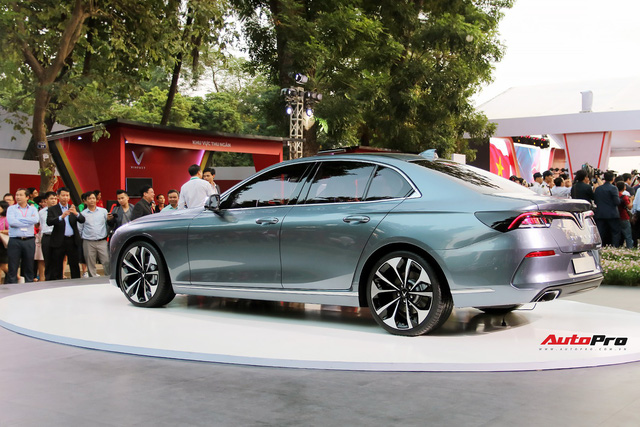 VinFast cung cấp phiên bản tuỳ chọn cho sedan và SUV, khách mua xe tha hồ lựa hàng triệu cấu hình - Ảnh 2.