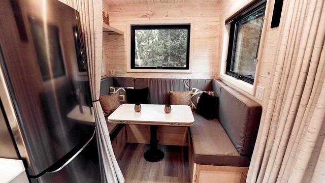Quên nhà nghỉ, khách sạn đi, đây là nhà di động trong mơ cho dân phượt thích xách xe lên và đi - Ảnh 7.