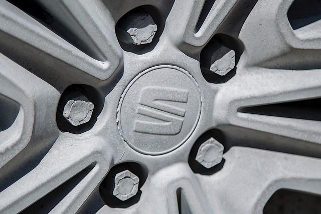 Bất ngờ với chiếc SUV được chế tạo vô cùng kỳ công: 15 tấn xi măng, một năm trời ròng rã - Ảnh 3.