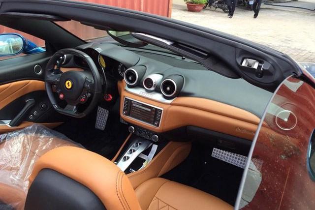 Siêu xe Ferrari California T hàng hiếm cùng Porsche Cayman của ông chủ cà phê Trung Nguyên bất ngờ được đưa đến Hà Nội - Ảnh 3.
