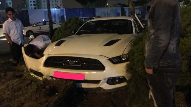 Hàng hiếm Ford Mustang GT 5.0 Limited Edition gặp nạn tại Đà Nẵng