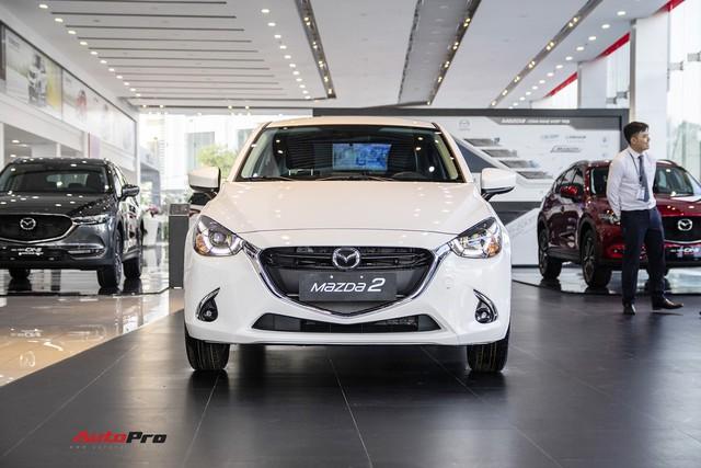 Mazda2 âm thầm tăng giá sau khi Toyota Vios hạ giá mạnh - Ảnh 2.