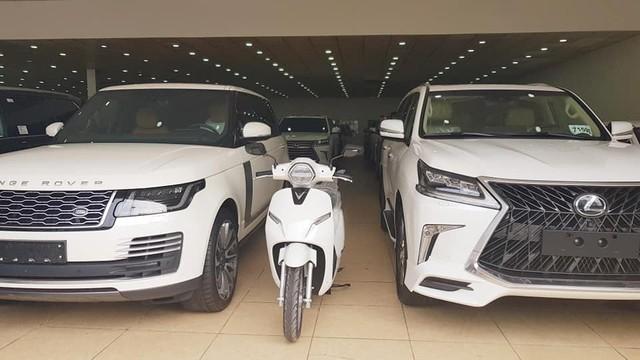 Bán xe thời VinFast: Rao Range Rover, Lexus LX570 tặng ngay xe điện Klara - Ảnh 2.