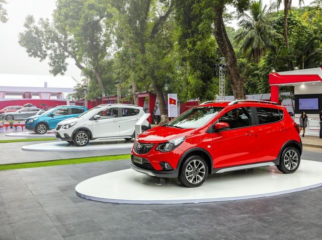 So sánh giá ô tô Việt Nam với ô tô Mỹ có hợp lý? Chevrolet Spark mà đánh thuế kiểu Việt Nam thì còn đắt hơn VinFast Fadil 50 triệu - Ảnh 1.