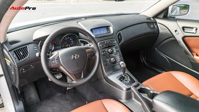Trải nghiệm nhanh Hyundai Genesis 2011 - Xe thể thao bình dân có giá Toyota Vios - Ảnh 7.