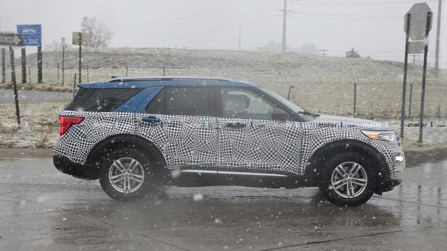 Thêm ảnh Ford Explorer 2020 chạy thử tại Mỹ - Ảnh 3.