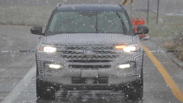 Thêm ảnh Ford Explorer 2020 chạy thử tại Mỹ - Ảnh 2.