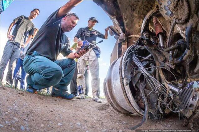 Góc fan Toyota tự hào: Land Cruiser mất bánh nhưng vẫn chạy đua địa hình suốt 70 km - Ảnh 11.