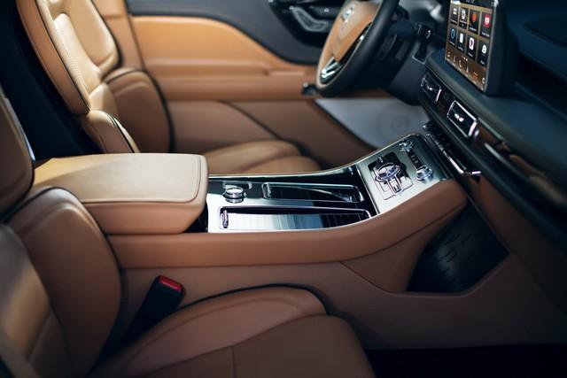 Lincoln Aviator – SUV sang chung khung gầm Ford Explorer cạnh tranh Audi Q7, Volvo XC90 trình diện - Ảnh 10.