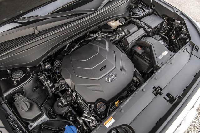 Ra mắt Hyundai Palisade - Đàn anh Santa Fe, đối đầu Ford Explorer - Ảnh 2.