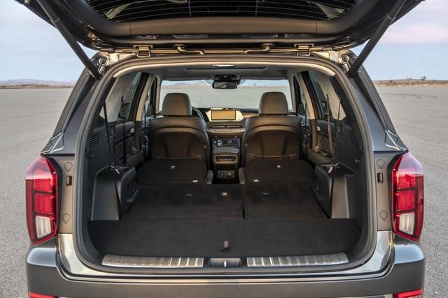 Ra mắt Hyundai Palisade - Đàn anh Santa Fe, đối đầu Ford Explorer - Ảnh 12.