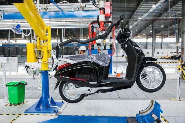 Ảnh cận cảnh quy trình lắp ráp một chiếc xe máy điện của VinFast - Ảnh 19.