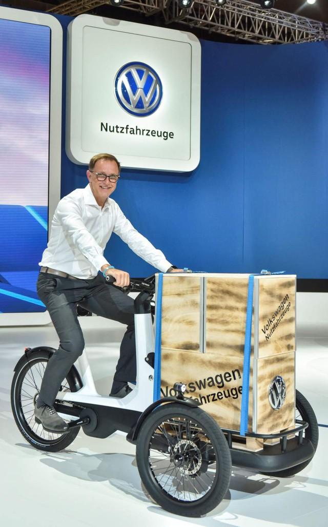 Volkswagen ra mắt... xích lô bán hàng chạy điện - Xu hướng của tương lai - Ảnh 1.
