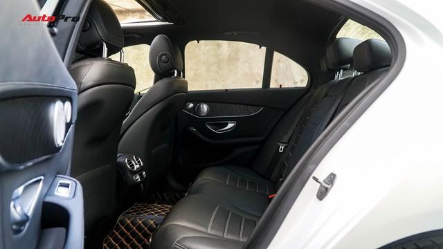 Mercedes-Benz C-Class - Cái tên nổi bật nhất thị trường xe sang cũ Việt Nam - Ảnh 14.