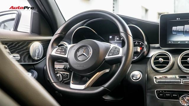 Mercedes-Benz C-Class - Cái tên nổi bật nhất thị trường xe sang cũ Việt Nam - Ảnh 8.