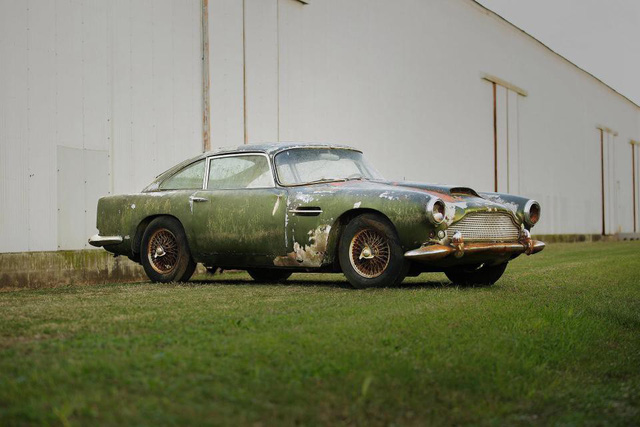 Bị bỏ hoang 40 năm trong rừng, xe Aston Martin độn giá gấp 100 lần so với ban đầu - Ảnh 6.