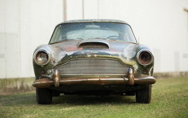 Bị bỏ hoang 40 năm trong rừng, xe Aston Martin độn giá gấp 100 lần so với ban đầu - Ảnh 3.