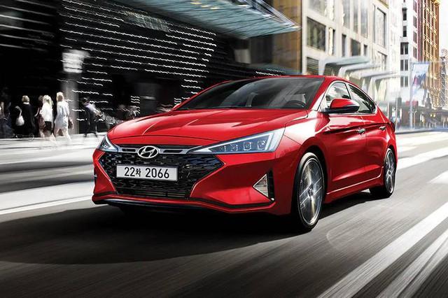 Lộ diện Hyundai Elantra Sport 2019: Thiết kế sắc bén hơn bao giờ hết - Ảnh 2.