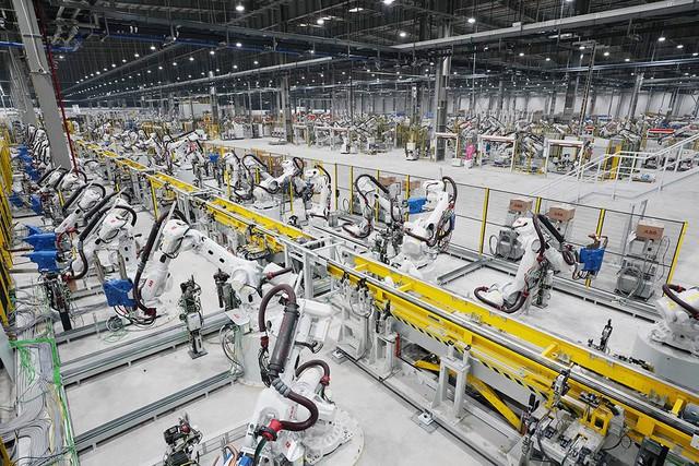 VinFast sản xuất sedan và SUV Lux từ tháng 3 năm sau với 1.200 robot - Ảnh 14.