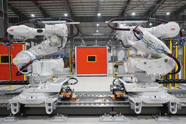 VinFast sản xuất sedan và SUV Lux từ tháng 3 năm sau với 1.200 robot - Ảnh 9.