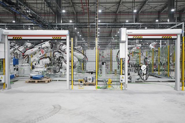 VinFast sản xuất sedan và SUV Lux từ tháng 3 năm sau với 1.200 robot - Ảnh 13.