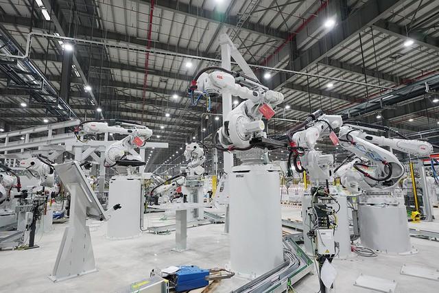 VinFast sản xuất sedan và SUV Lux từ tháng 3 năm sau với 1.200 robot - Ảnh 6.