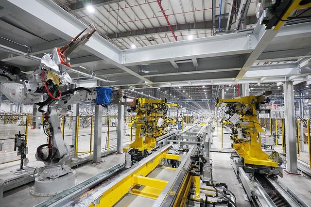VinFast sản xuất sedan và SUV Lux từ tháng 3 năm sau với 1.200 robot - Ảnh 7.