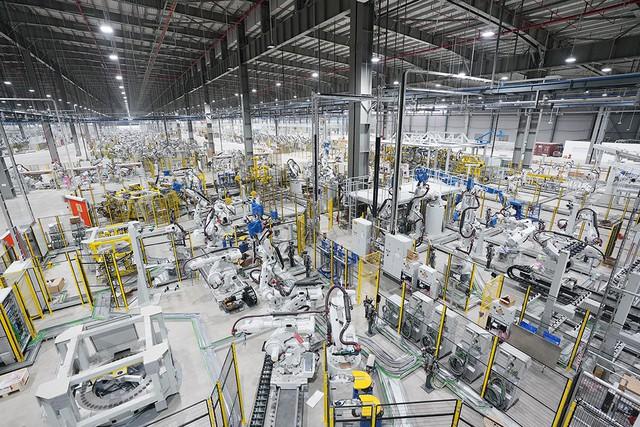 VinFast sản xuất sedan và SUV Lux từ tháng 3 năm sau với 1.200 robot - Ảnh 8.