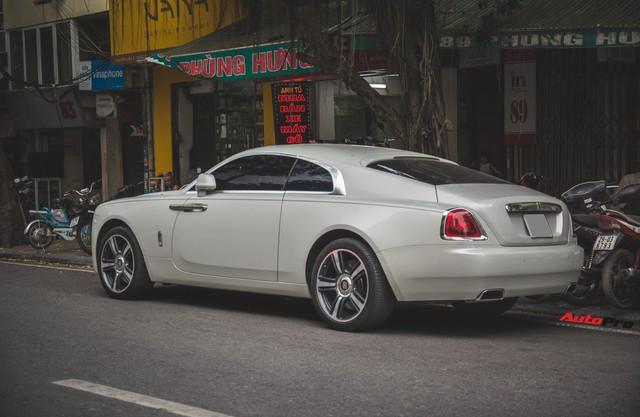 Đại gia Hà Thành phối màu lạ lẫm cho chiếc Rolls-Royce Wraith  - Ảnh 11.