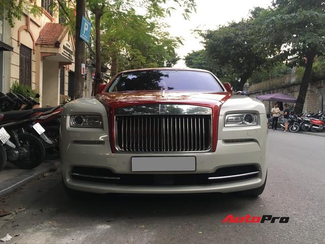 Đại gia Hà Thành phối màu lạ lẫm cho chiếc Rolls-Royce Wraith  - Ảnh 2.