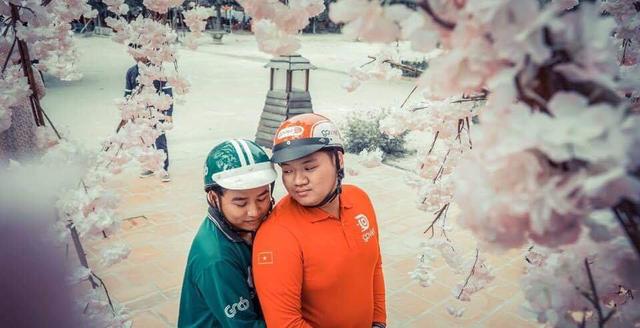 Bộ ảnh cưới đong đầy yêu thương của đôi uyên ương Go-Viet, Grab - Ảnh 1.