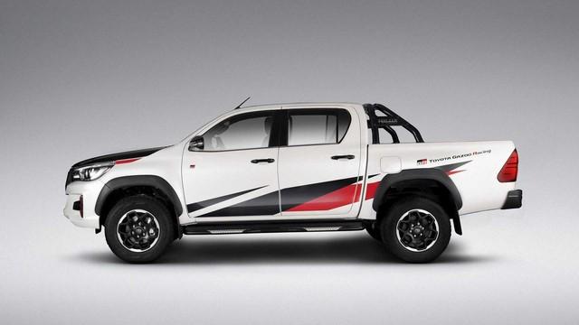 Khi có máu xe đua nhưng lỡ mua bán tải: Toyota Hilux Gazoo Racing là câu trả lời - Ảnh 2.