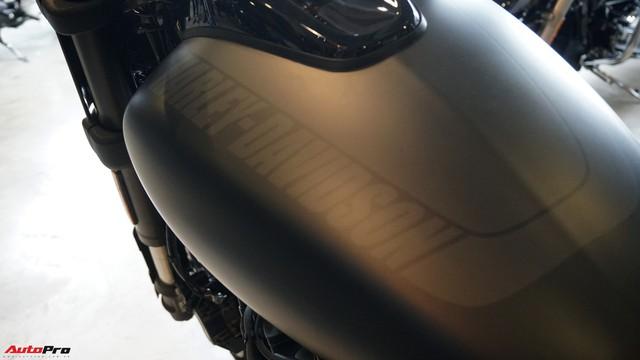 [Video] Cận cảnh Harley-Davidson Fat Bob 2018 giá gần 1 tỷ đồng tại Hà Nội - Ảnh 16.