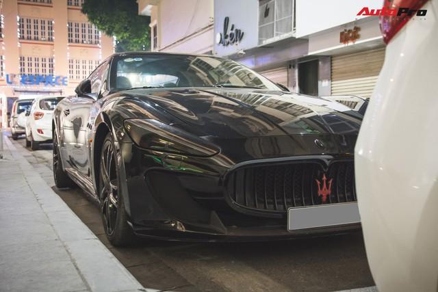 Maserati GranTurismo MC Sportline phiên bản Batman của dân chơi Hà Thành - Ảnh 8.