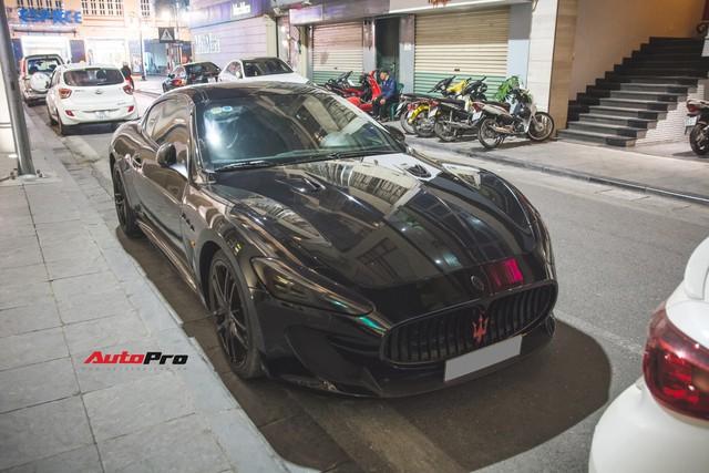 Maserati GranTurismo MC Sportline phiên bản Batman của dân chơi Hà Thành - Ảnh 1.
