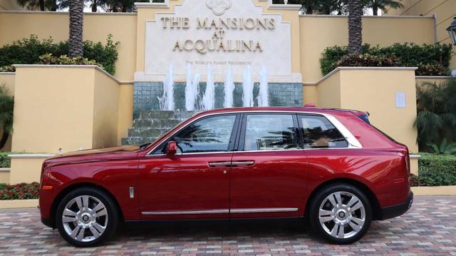 Bán nhà kiểu đại gia: Tặng cả Rolls-Royce Cullinan và Lamborghini Aventador miễn phí